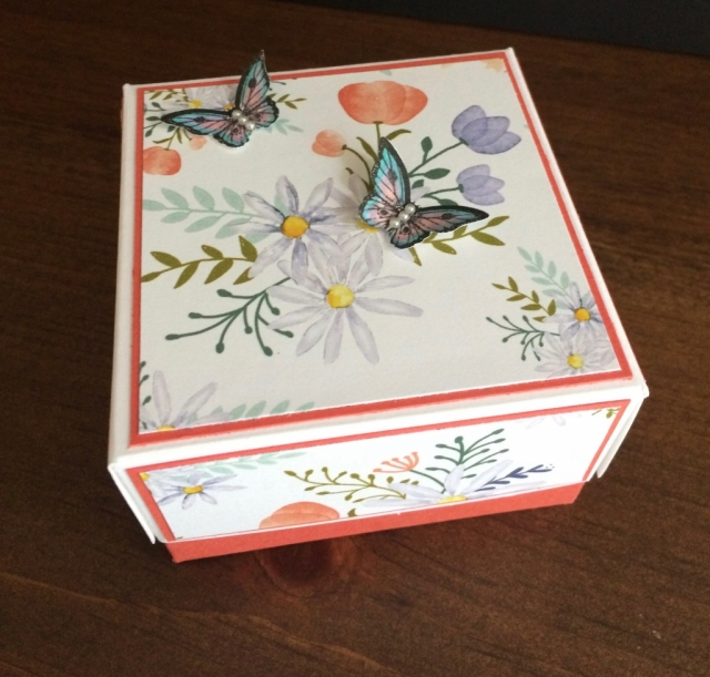 Stampin Up Delightful Daisy Box - Rosanne Mulhern